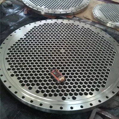 what is a tube sheet ( tubesheet ) in heat exchanger ?