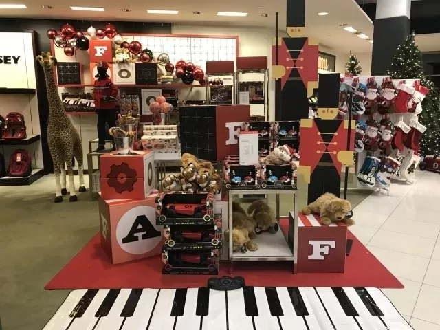 The Super Gigantic Piano Mat for FAO Schwarz