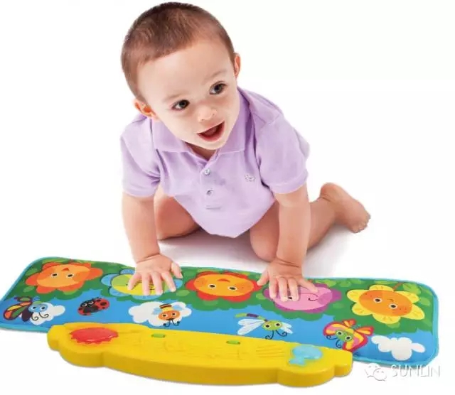 Electronic playmat for babies