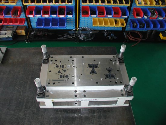 Stamping Mold Making Services - Topper