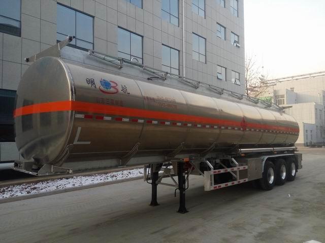 Refined Fuel Trucks 4x2 4 M3 Carbon Steel 115 Hp