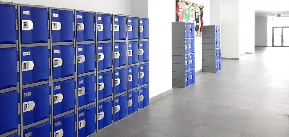 T-H385XXL/4 HDPE plastic?locker hallway lockers at a Dubai school?indoor and outdoor