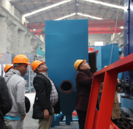 Philippine Customers Came to Inspect Roller Conveyor Shot Blasting Machine