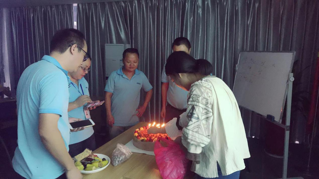 special-report-a-birthday-month-celebration-in-make-october-cake.jpg