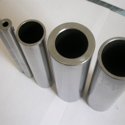 A519 1045 Seamless Carbon Pipe 50mm x 4mm Black Painting