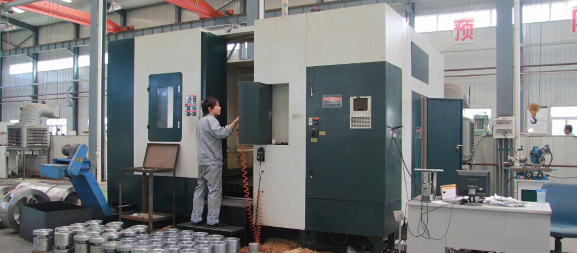Vertical machining center for valves
